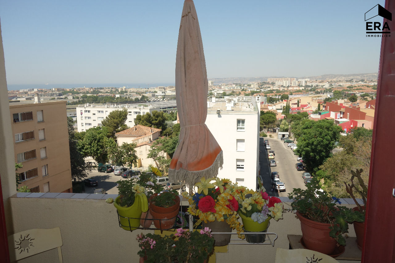 A VENDRE APPARTEMENT TYPE 4 MARSEILLE 13014 SAINTE MARTHE PLACE DE PARKING BALCONS ET CAVE
